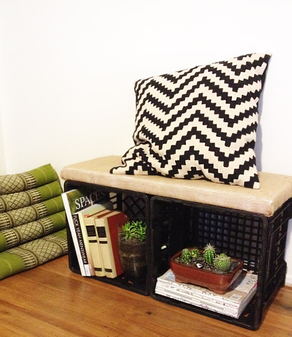 Incroyable DIY: Milk Crate Bench Seat With Storage. MilkCrateBench_1