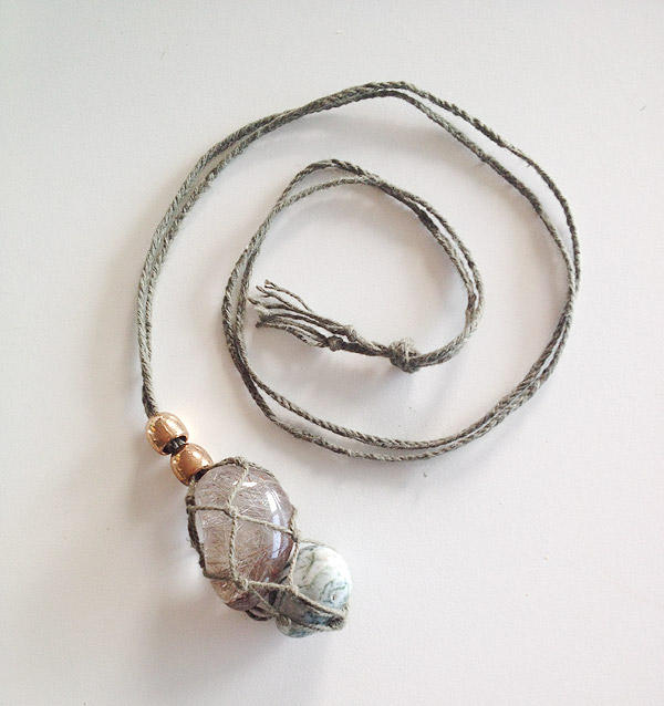 utube tutorial how to make wire beads and stone jewelry