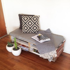 DIY: Easy Peasy Pallet Chair