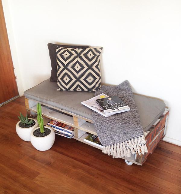DIY: Easy Peasy Pallet Chair