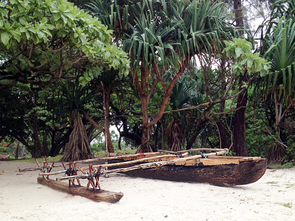 ROUNDISLAND_CULTURAL_OUTRIGGER